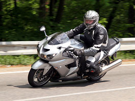 Duel-test: BMW K1300S vs. Kawasaki ZZR1400