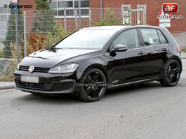 Spy Photos: VW Golf VII R