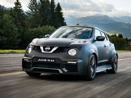 Řídili jsme Nissan Juke-R 2.0, crossover za 13,5 milionu korun (+video)