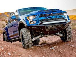 Shelby přiostřil dravý pick-up F-150 a výsledkem je Baja Raptor
