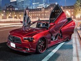 Dodge Charger může mít dveře jako Lamborghini a rovnou dva páry