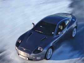 Dnes neumírej: Jaguar nebo Aston Martin?