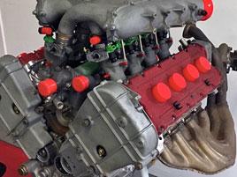 Motor z fantastického Ferrari je na prodej. Jeden z nejúžasnějších