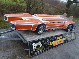 Znáte Barris Snakepit? Tenhle dragster z roku 1975 pohání hned šest osmiválců!