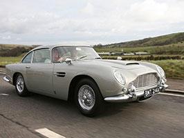 Chcete jezdit Jako James Bond? S tímhle Astonem můžete