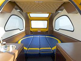 MiniBig je úžasný karavan, který se umí proměnit v loďku. Má jen jeden problém