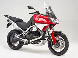 Moto Guzzi Stelvio 1200: velké cestovní enduro z Itálie pro rok 2008: titulní fotka