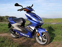 Test - Yamaha Aerox: dravec do městského provozu: titulní fotka