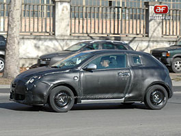 Spy Photos: Alfa Romeo Junior: titulní fotka