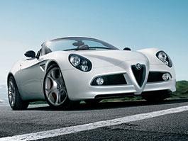 Alfa Romeo 8C Spider - nové fotografie: titulní fotka