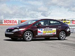 Honda FCX Clarity - S vodíkovým autem na závodní okruh: titulní fotka