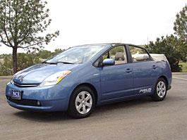 Toyota Prius nahoře bez: titulní fotka