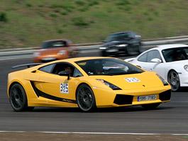 Klub sportovních aut pokřtil asfalt Automotodromu Brno: titulní fotka