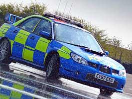 Prodrive učí policisty řídit: titulní fotka
