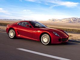 Červená auta jsou hlučnější, než ostatní: titulní fotka