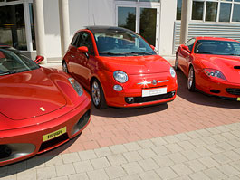 Fiat 500 - malé ferrari: titulní fotka