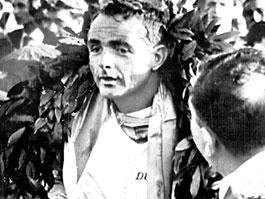 Phil Hill, první americký vítěz seriálu F1 zemřel: titulní fotka