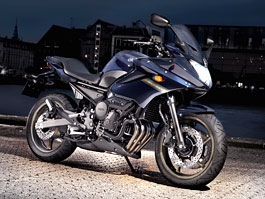 Yamaha 2009: XJ6 Diversion a XVS950A Midnight Star: titulní fotka