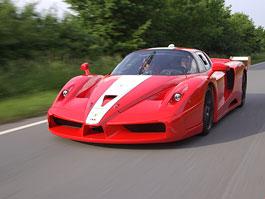 Ferrari FXX s homologací pro silniční provoz: titulní fotka