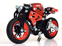 Ducati a Meccano: Kdo si hraje, nezlobí: titulní fotka