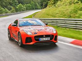 Jaguar F-Type SVR: Kočka má taxík na Ringu: titulní fotka