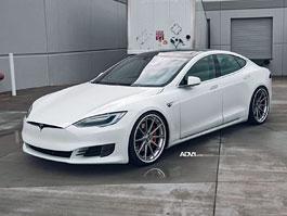 Tesla Model S jako dynamický elegán od TAG Motorsports: titulní fotka