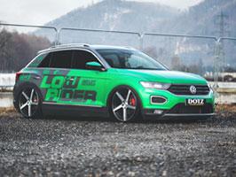 Volkswagen T-Roc proklatě nízko nad zemí: titulní fotka