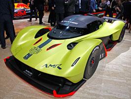 Aston Martin Valkyrie AMR Pro je extrémně lehká a výkonná okruhová bestie: titulní fotka