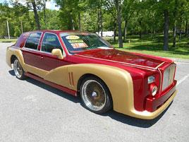 Lincoln Town Car ve stylu Iron Manova Rollsu: titulní fotka