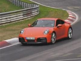 Takhle jezdí nové Porsche 911. Kamera ho přistihla na Nürburgringu: titulní fotka