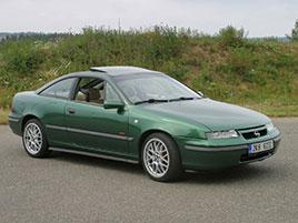 ��dili jsme Opel Calibra 4x4 Turbo. Tohle kup� p�edb�hlo dobu!