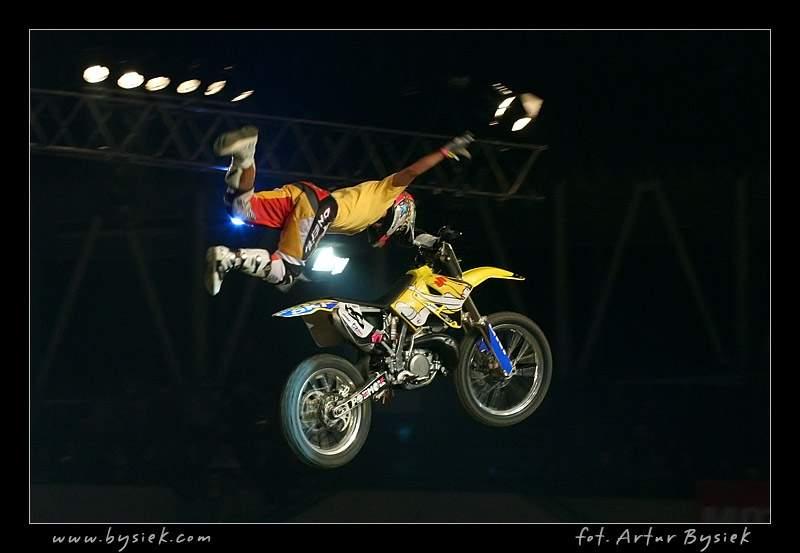 DIVERSE Night of the Jumps v objektivu Artura Bysieka: - fotka 38