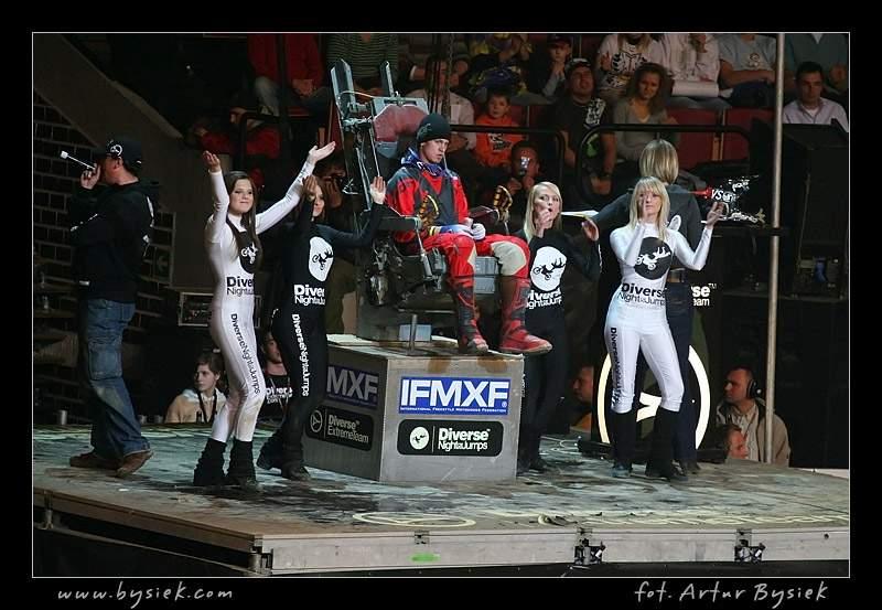 DIVERSE Night of the Jumps v objektivu Artura Bysieka: - fotka 82