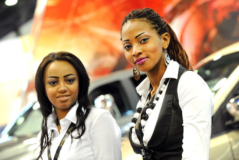 Qatar Motor Show - Babes: - fotka 8