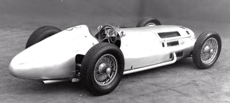 Pod lupou - Stříbrné šípy Mercedes-Benz v předválečné éře: - fotka 58
