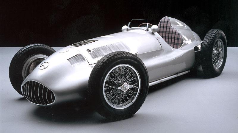 Pod lupou - Stříbrné šípy Mercedes-Benz v předválečné éře: - fotka 72