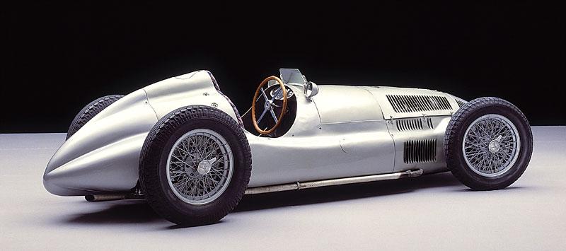 Pod lupou - Stříbrné šípy Mercedes-Benz v předválečné éře: - fotka 90
