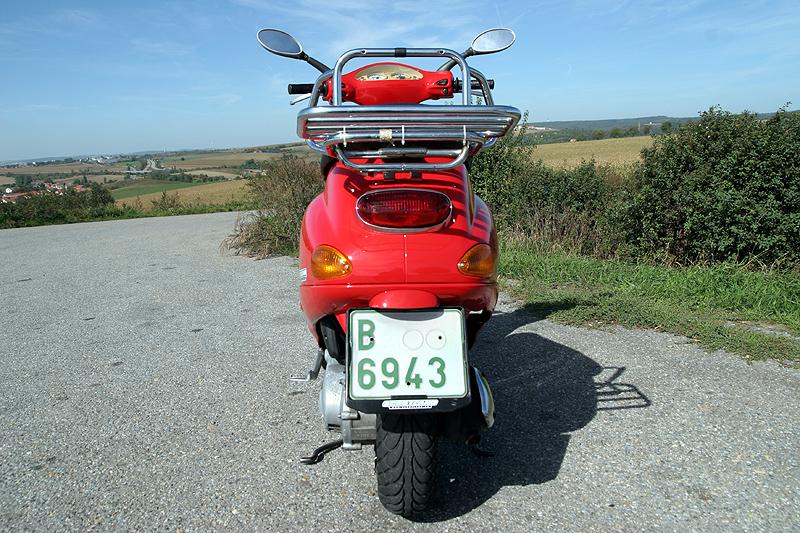 Test - Piaggio Vespa ET4 125: italská klasika: - fotka 4