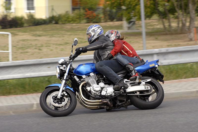 Test - Yamaha XJR1300: profesorská jízda: - fotka 17