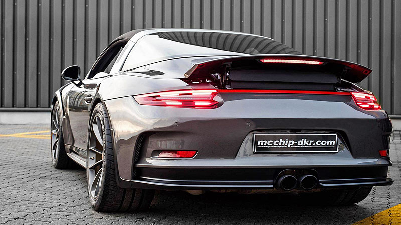 Porsche 911 Targa 4 GTS může být od 911 GT3 RS téměř k nerozeznání: - fotka 8