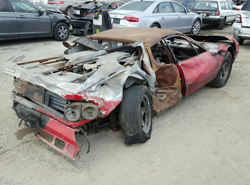 Vydražil se vrak shořelého Ferrari, za nejvyšší příhoz byste koupili dvě nové Octavie!: - fotka 7