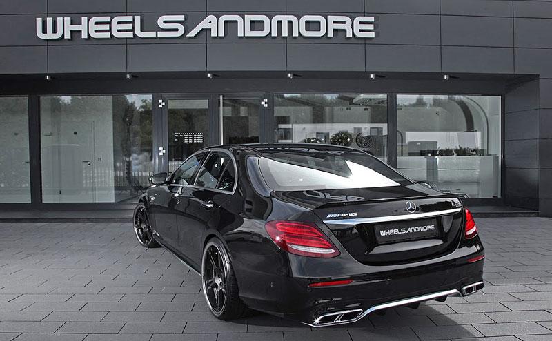 WheelsAndMore ladí nejvýkonnější sedany, kupé i kabriolety Mercedes-Benz třídy E: - fotka 12