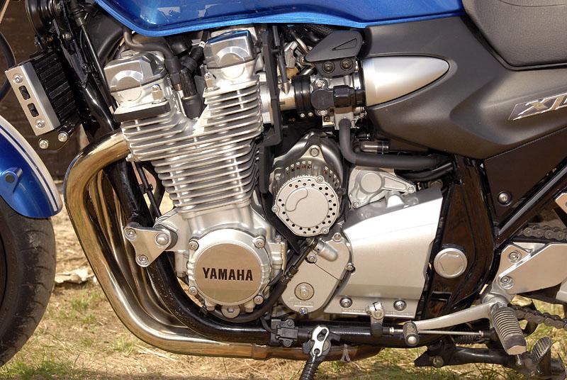 Test - Yamaha XJR1300: profesorská jízda: - fotka 21