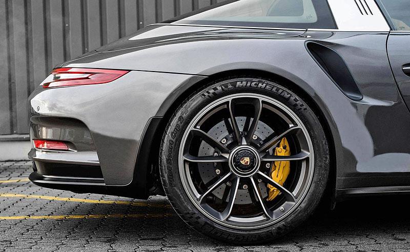 Porsche 911 Targa 4 GTS může být od 911 GT3 RS téměř k nerozeznání: - fotka 14