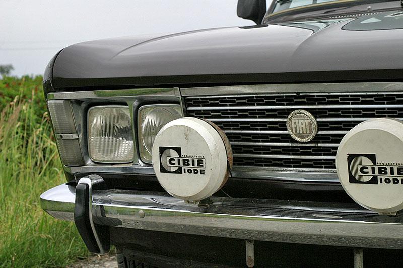 Fiat 125 S je skvělý sportovní sedan z konce 60. let. Bavit vás bude i dnes: - fotka 14
