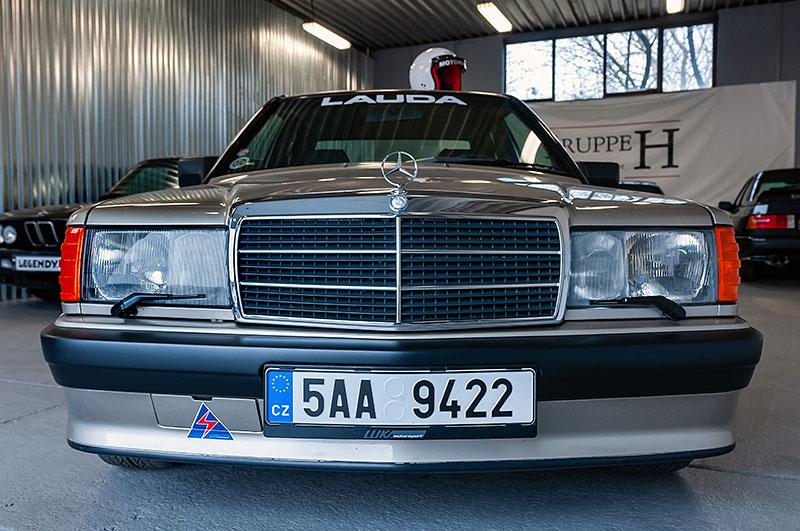 Řídili jsme Mercedes-Benz 190E 2.5-16. Opomíjený rival první M3 si zaslouží víc respektu: - fotka 4