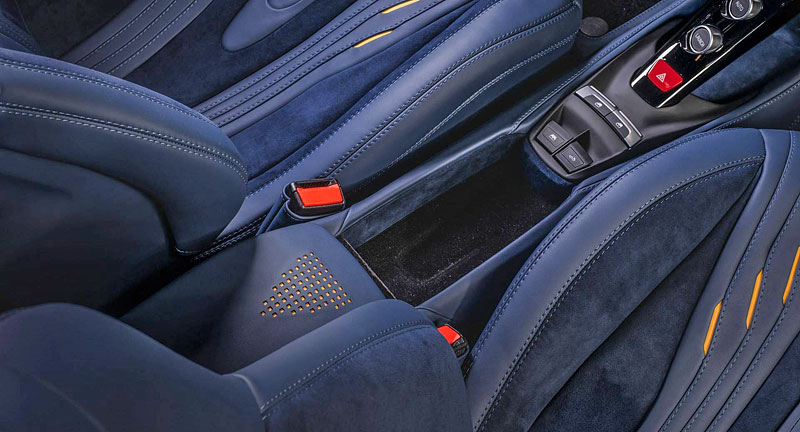 Ferrari 488 Spider by Carlex Design je rapsodie v modrém: - fotka 12