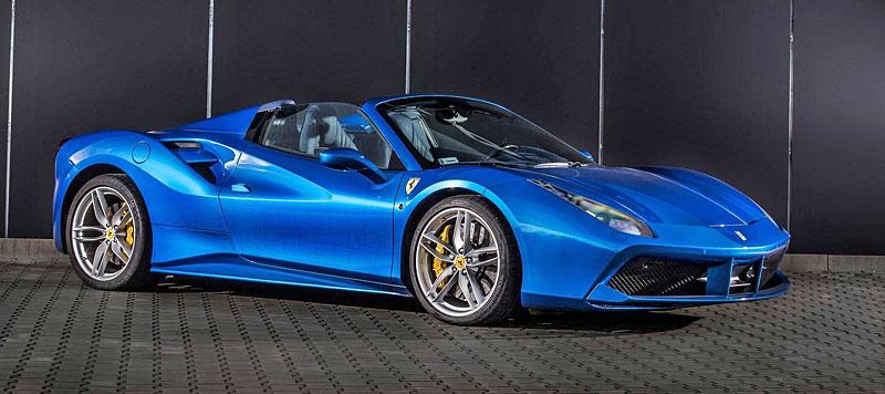 Ferrari 488 Spider by Carlex Design je rapsodie v modrém: - fotka 18