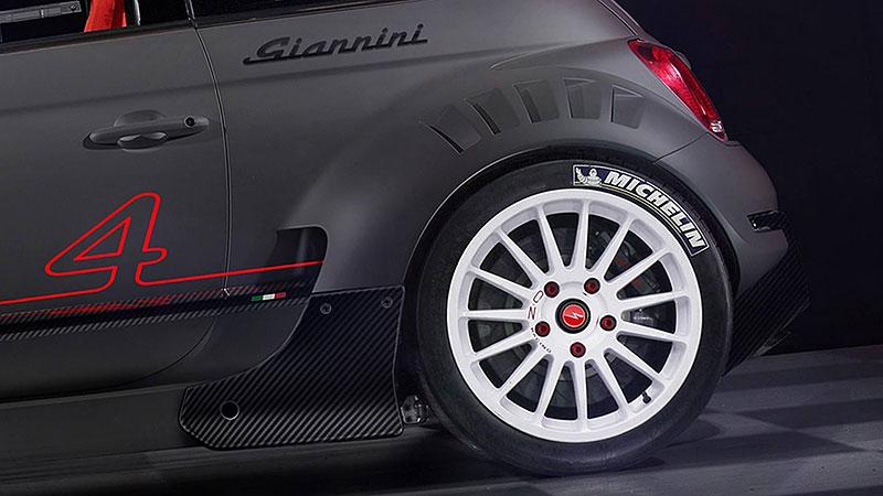 Giannini 350 GP4: Zběsilé cinquecento má motor z Alfy 4C a čtyřkolku: - fotka 5