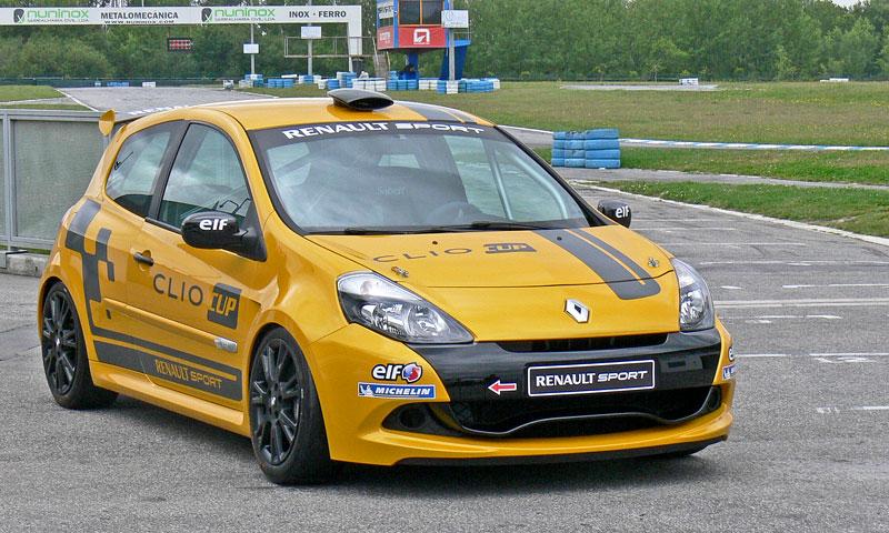 Za volantem: Clio Renault Sport: - fotka 4